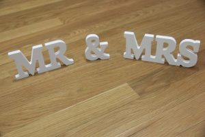 mr-mrs-small-sign