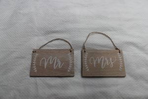 mr-mrs-small-wooden-cost-16-90